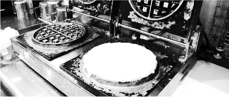 注文を受けてから焼き上げる米粉ワッフル